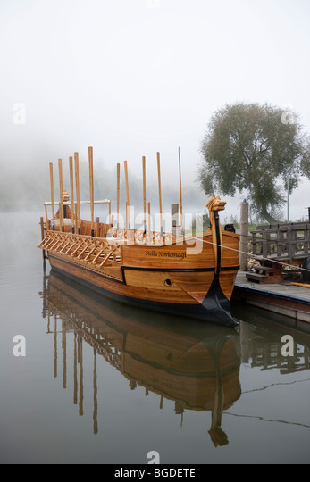 The Stella Noviomagi, replica of a Roman wine ship, Neumagen-Dhron, Moselle, Rhineland-Palatinate, Germany, Europe - Stock-Bilder