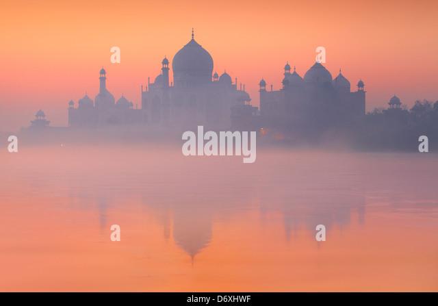 Sunset Taj Mahal and Yamuna River, Agra, Uttar Pradesh, India UNESCO - Stock Image
