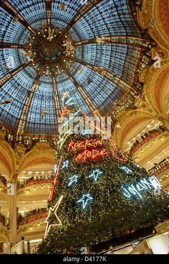 Galerie Lafayette christmas tree under glas dome , Paris , France - Stock Image