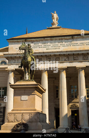 Garibaldi Statue & Carlo Felice Theater, Opera Theater. Historic center, Old Twon. Genoa. Mediterranean Sea. - Stock Image
