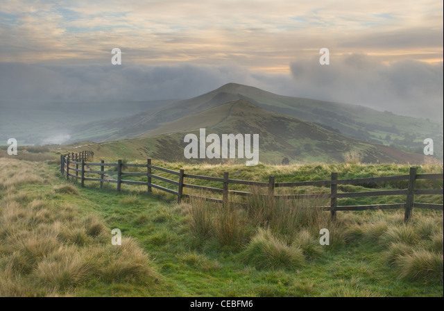Morning Sunrise in Hope Valley from the Great Ridge between Mam Tor, Back Tor and Loose Hill overlooking Castleton - Stock Image