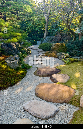 Stepping Stones Pathway Japanese Garden - Stock Image