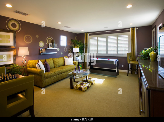 Contemporary purple and green game room - Stock Image