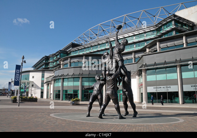 The 27ft tall bronze sculpture by Gerald Laing, depicting a rugby line-out, outside Twickenham Rugby Stadium, London, - Stock Image