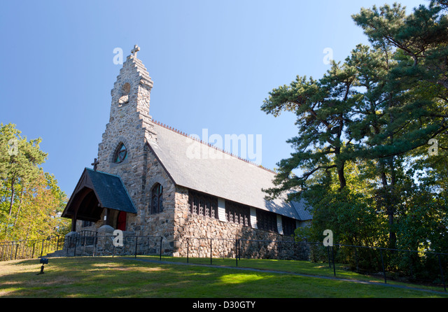St. Peter's By-The-Sea Protestant Episcopal Church, Cape Neddick, Maine. - Stock Image