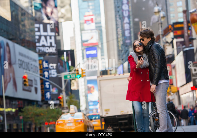 Young couple on vacation, New York City, USA - Stock-Bilder