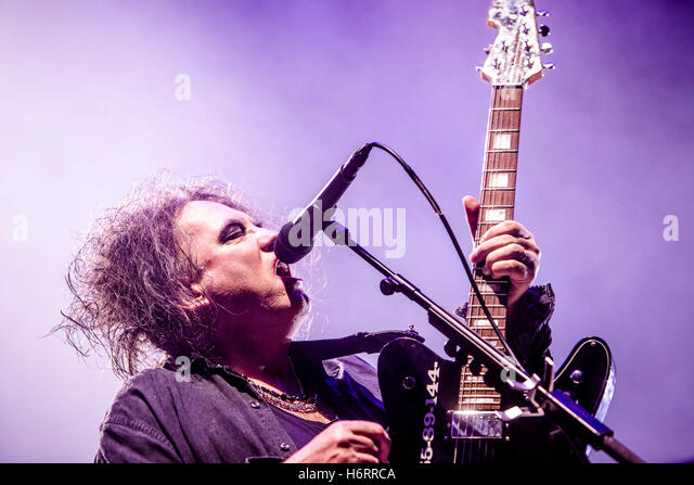 Milan, Italy. 1st November, 2016. English rock band The Cure performs live at Mediolanum Forum in Milano, Italy, - Stock Image