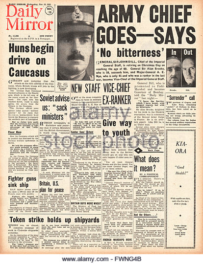 1941 front page Daily Mirror Re-shuffle in high command of the British Army and Battle for Moscow - Stock Image