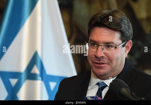 Prague, Czech Republic. 26th June, 2017. Israeli Minister for Science Ofir Akunis speaks during the press conference - Stock-Bilder