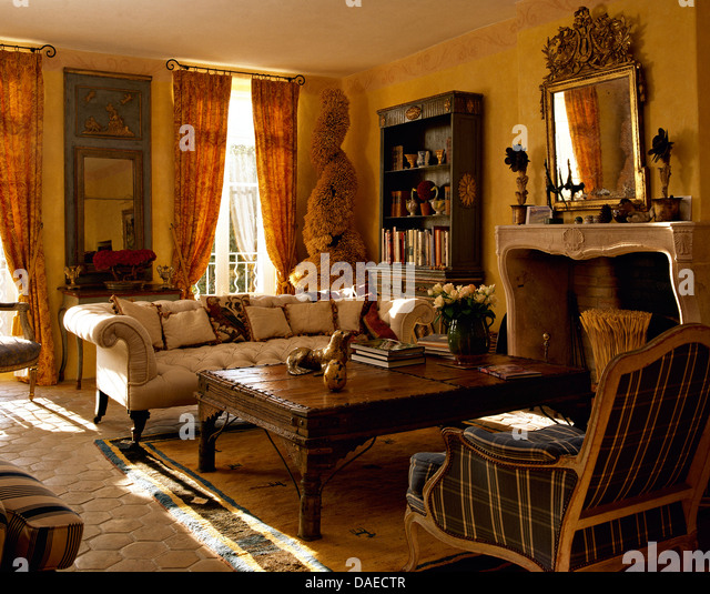White Chesterfield Stock Photos& White Chesterfield Stock Images Alamy