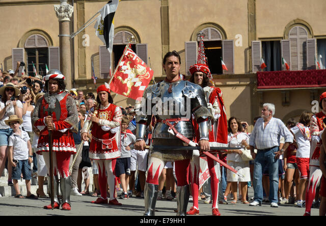 Corteo Storico parade before the Palio horse race, Piazza del Duomo, Siena, Tuscany, Italy, Europe - Stock Image