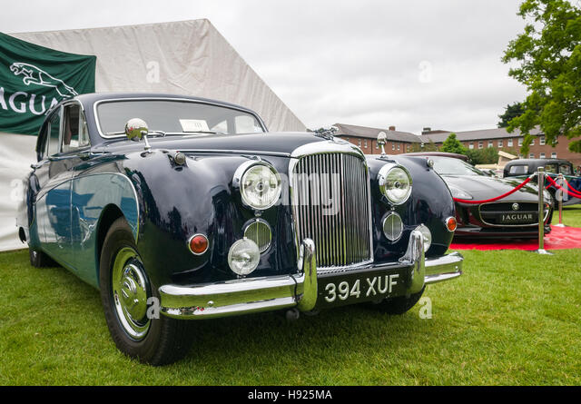 Vintage car show - Jaguar Mark IX - Stock Image