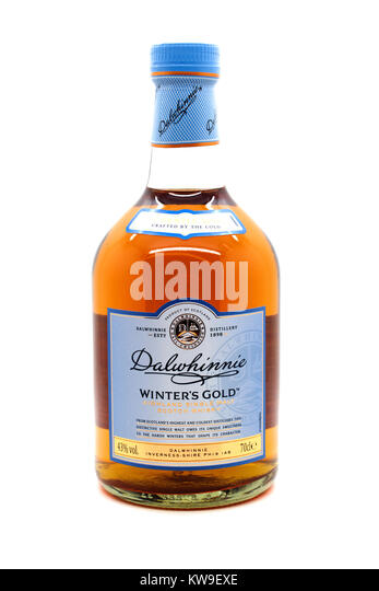 bottle of dalwhinnie winters gold malt whisky - Stock Image