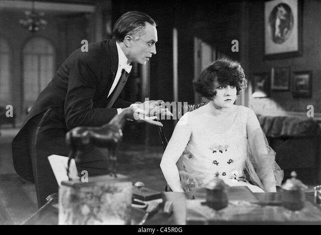 Conrad Veidt and Lucy Doraine in 'Fate', 1925 - Stock Image