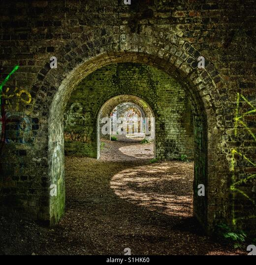 Arches & Graffiti - Stock-Bilder