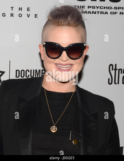 Kelly Osbourne arrive for the Premiere Of 'SHOT! The Psycho-Spiritual Mantra of Rock' held at Pacific Theatres - Stock-Bilder