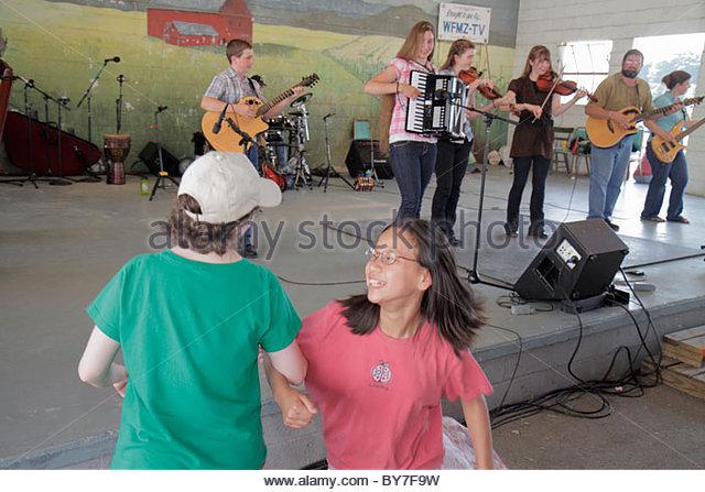 Pennsylvania Kutztown Kutztown Folk Festival Pennsylvania Dutch folklife music musician entertainment stage perform - Stock Image