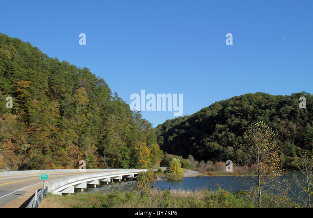 Tennessee Cherokee National Forest Greasy Creek Department of Agriculture federal land trees managed resource bridge - Stock Image