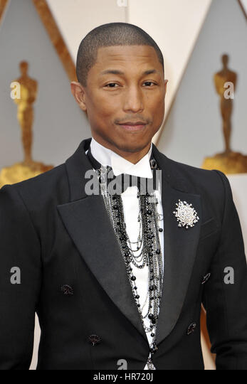 Hollywood, California. 26th Feb, 2017. Pharrell Williams attends the 89th Annual Academy Awards at Hollywood & - Stock-Bilder