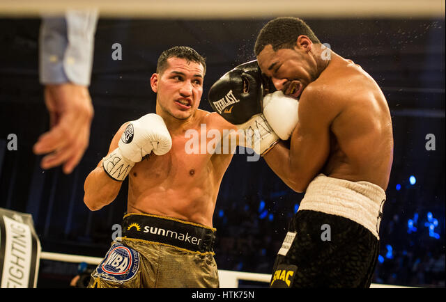 Ludwigshafen, Germany. 11th Mar, 2017. Jack Culcay (Germany, l) and Demetrius Andrade (US) the WBA world half middleweight - Stock-Bilder