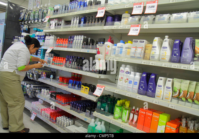 Santiago Chile Providencia Avenida Rancagua Express Lider grocery store supermarket chain business shopping shelf - Stock Image