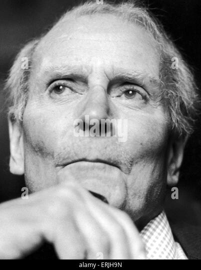 Lord Laurence Olivier at the Garrick Club to announce his new TV series. 7th December 1981. - Stock Image