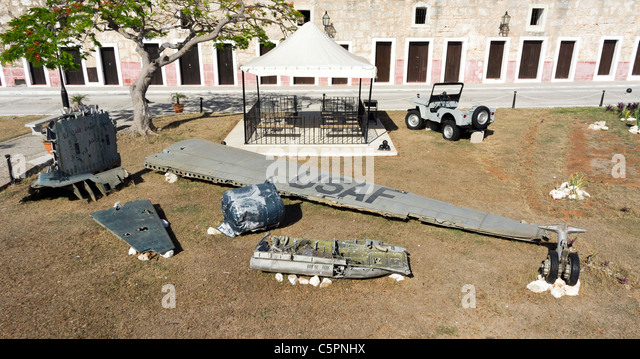 Wreckage of USAF plane displayed in La Cabaña, a fort in Havana, Cuba. - Stock Image