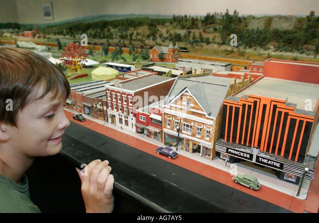 Alabama Gadsden Willow Avenue Center for Cultural Arts model train miniature town boy - Stock Image