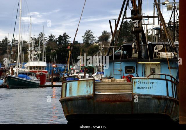 Fishing boats in newport oregon stock photos fishing for Newport oregon fishing
