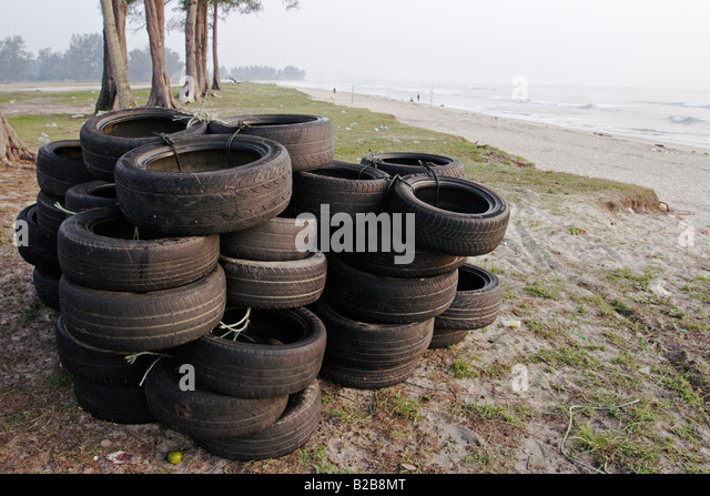 Old tyres stock photos old tyres stock images alamy for Old tyre uses