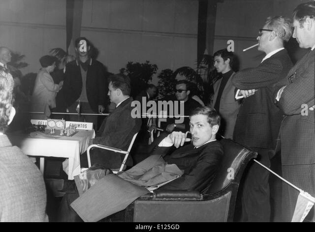 Jul 16, 2004; Monte Carlo, Monaco; (File Photo 6/01/1966) Former world chess champion BOBBY FISCHER of the United - Stock Image