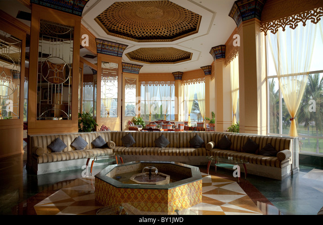 Oman, Salalah. Crowne Plaza, foyer/ reception. - Stock Image