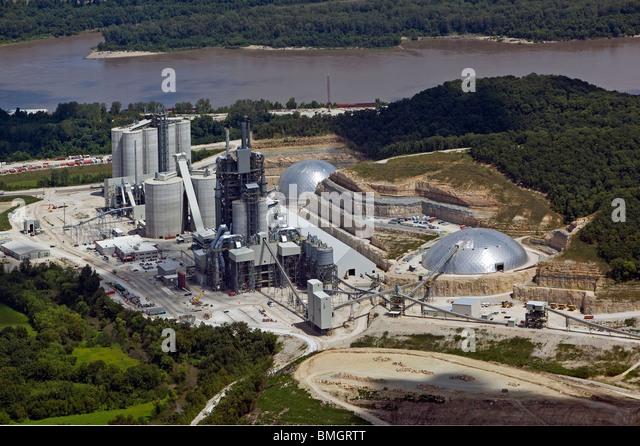 Cement Manufacturing Plants : Cement plant stock photos images alamy
