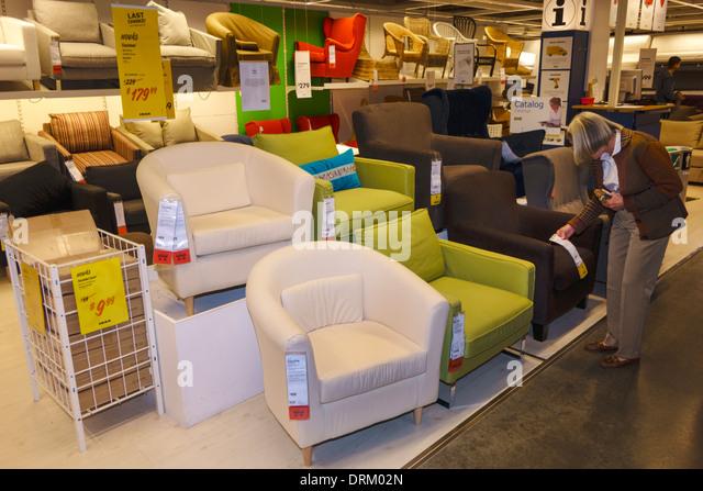 Ikea shopping shoppers stock photos ikea shopping for Ikea ft lauderdale
