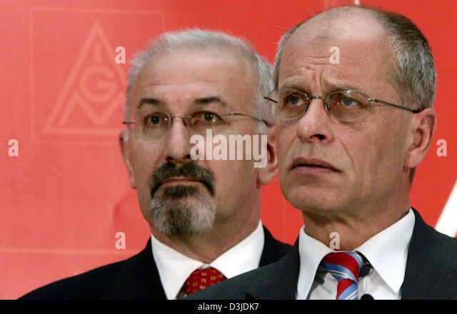(dpa) - Juergen Peters (L), Chairman of Germany's largest labour union IG Metall and his deputy Berthold Huber - Stock Image