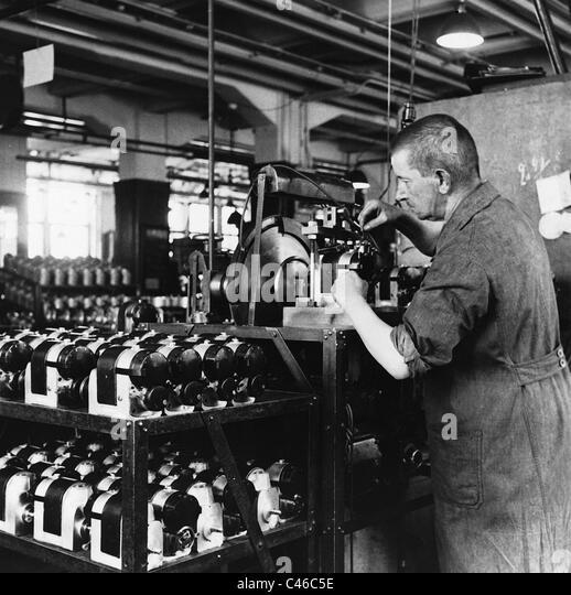 Industrial workers at Bosch, 1936 - Stock-Bilder