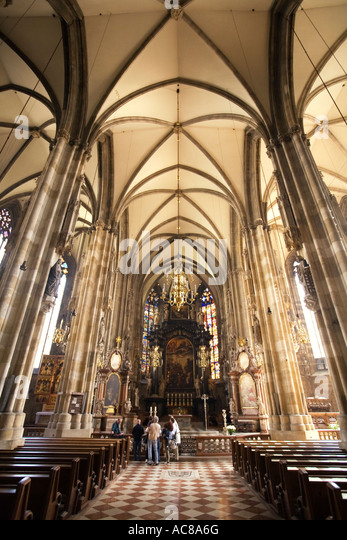 Vienna Stephansdom St Stephens gotic cathedral interieur - Stock Image