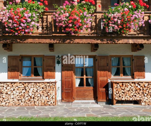 DE - Bavaria: Typical Bavarian Farmhouse - Stock-Bilder