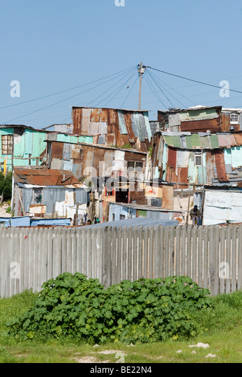 Informal settlement along N2 highway on the outskirts of Cape Town South Africa - Stock-Bilder