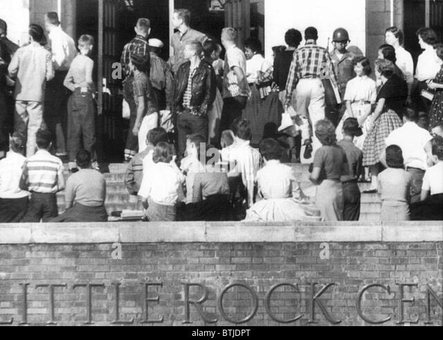 Little Rock, Arkansas: With a lone sentry from the 101st Airborne standing guard near the main door of Central High, - Stock Image