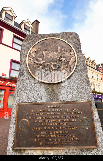 Cobh, County Cork, Ireland. Monument to the victims of the Titanic tragedy, by M. O'Donovan. - Stock Image