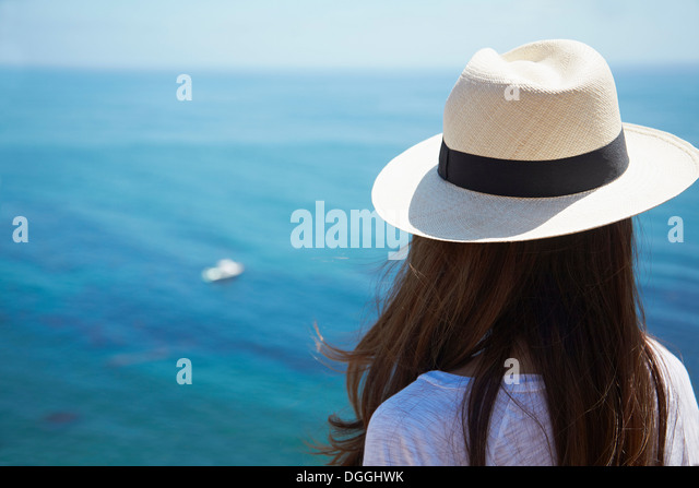 Young woman looking out to sea, Palos Verdes, California, USA - Stock Image