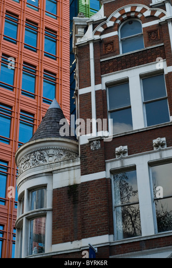 Contrasting buildings - Stock Image