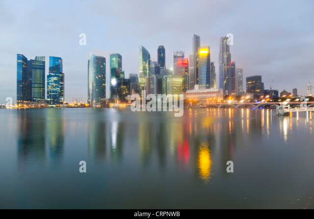 South East Asia, Singapore, City Skyline, View across Marina Bay to the Financial and Business district of Singapore - Stock Image