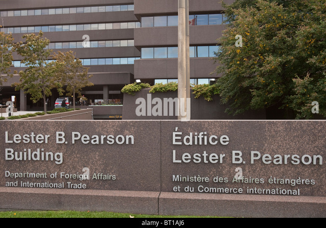 Department of Foreign Affairs and International Trade at the Lester B. Pearson building - Stock Image