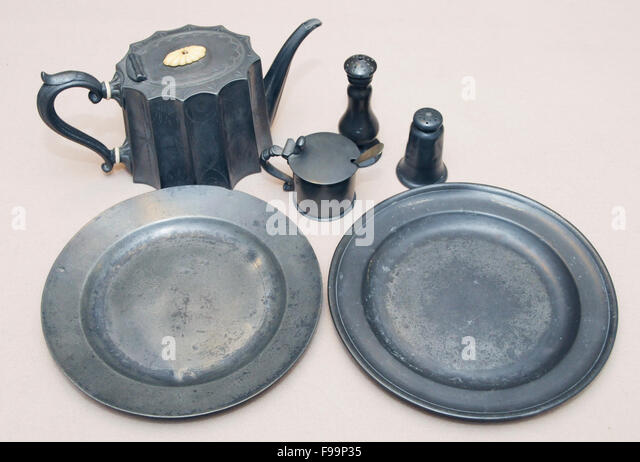 Vintage antique pewter items - Stock-Bilder