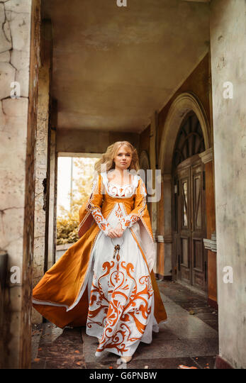 Lady in medieval costume - Stock Image