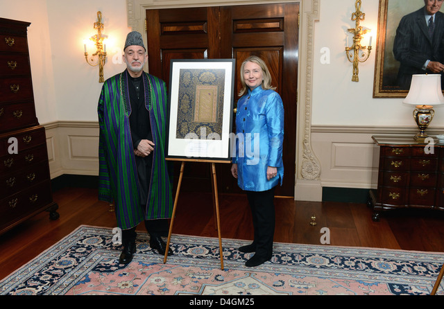 Secretary Clinton Participates in Library of Congress Presentation to the Government of Afghanistan - Stock-Bilder