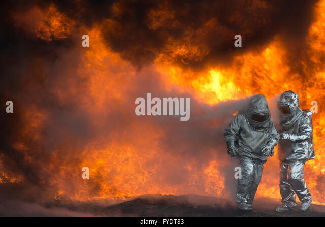 Neratovice, Czech Republic. 26th Apr, 2016. Firefighters neutralize a fire during a training exercise in Spolana - Stock Image