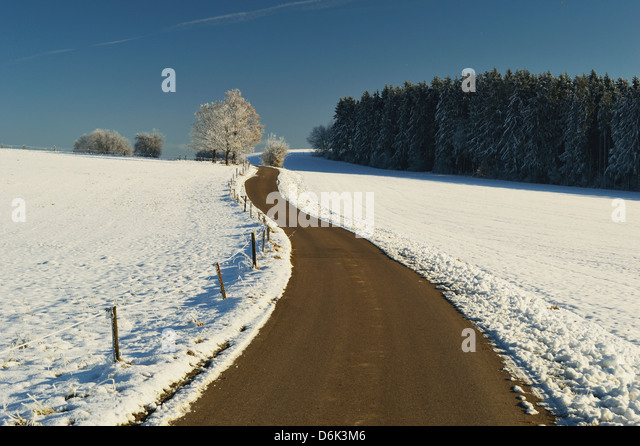 Rural winter scene, near Villingen-Schwenningen, Baden-Wurttemberg, Germany, Europe - Stock Image